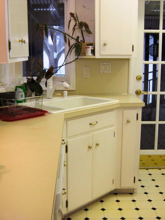 Small Kitchen Remodels- 12 Before and After Ideas - Rilane