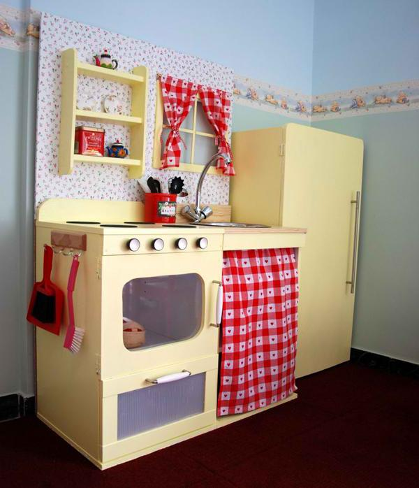 10 Interesting and Fun Kids Play Kitchens