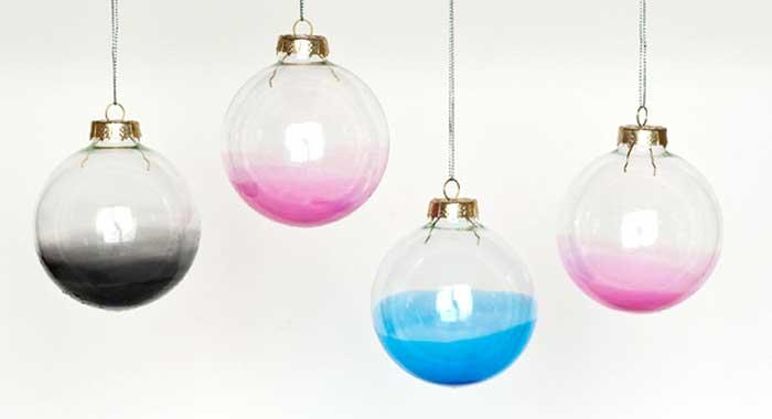 Christmas ornaments 70 holiday decorations decor rilane diy ombre glass ornaments ombre glass ornaments will surely bring modern and contemporary charm on your christmas tree check out the easy tutorial and solutioingenieria Image collections