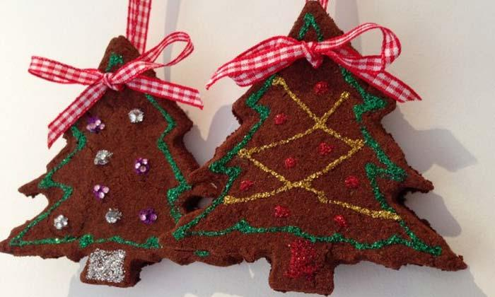 go to the easy tutorial and learn how to make a delicious and creative christmas gingerbread decorations