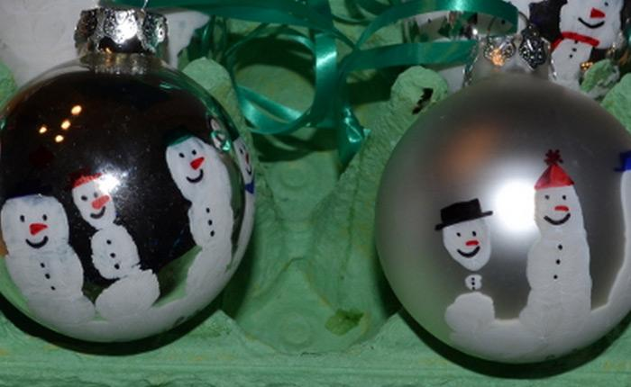 Christmas ornaments 70 holiday decorations decor rilane handprint snowmen christmas ornaments this can be a cool christmas project that you can do with your kids check out this hand print snowmen ornament solutioingenieria Gallery
