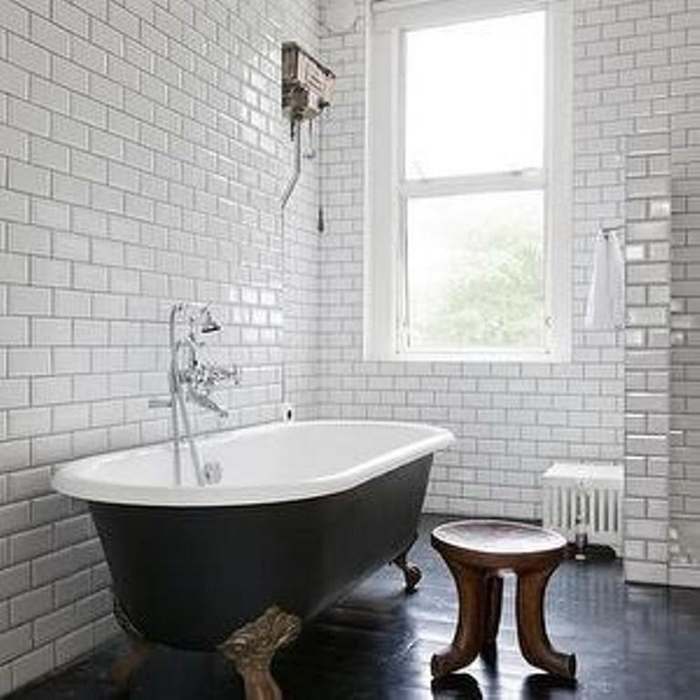 Incroyable Minimalist Bathroom With Subway Tiles